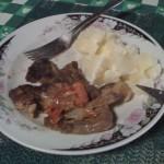 Almorzando bistec