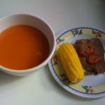 Almuerzo: crema de tomate y bistec