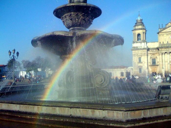 Arco Iris - Plaza de la Constitución de Guatemala