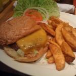Practicamente esta hamburguesa fue mi desayuno ^_^