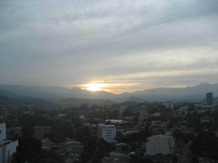 Amanecer en Tegucigalpa