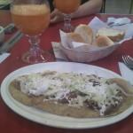Huarache y jugo de zanahoria