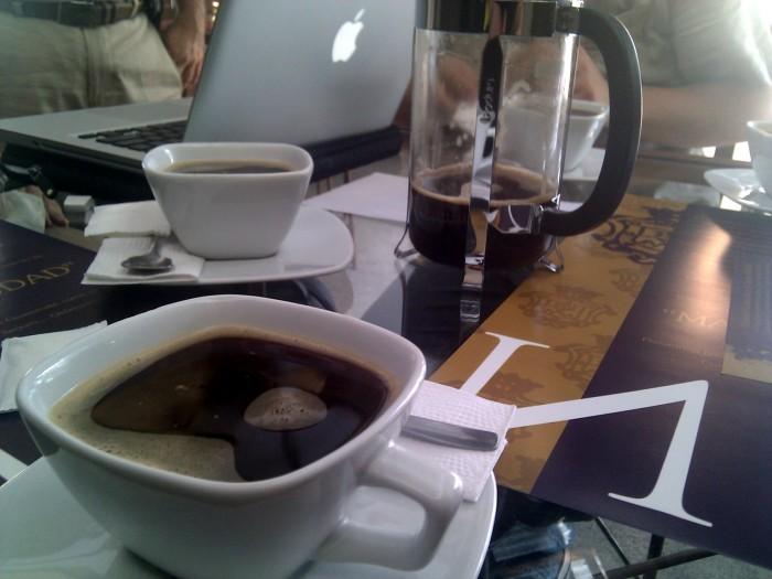 Café con los amigos