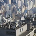 Antenas de telecomunicación sobre el edificio Copan