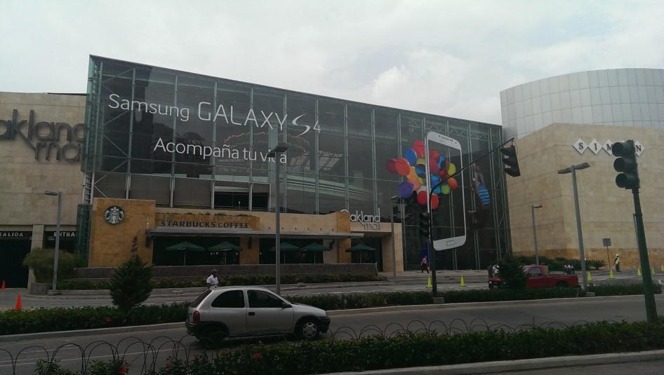 Publicidad del Galaxy S4 @ Oakland Mall