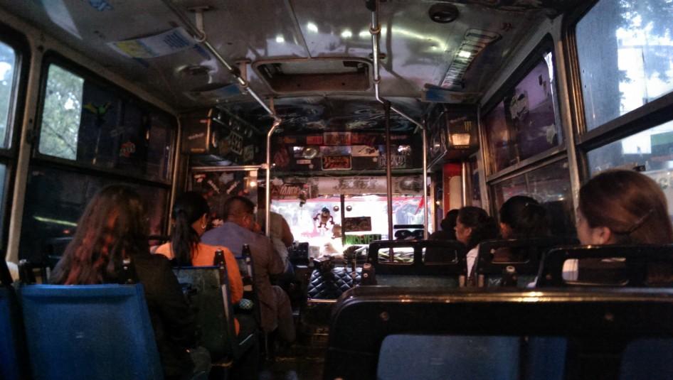Típico transporte público de Guatemala