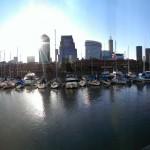 Esperando que la sombra de los edificios me esconda del Sol @ Puerto Madero