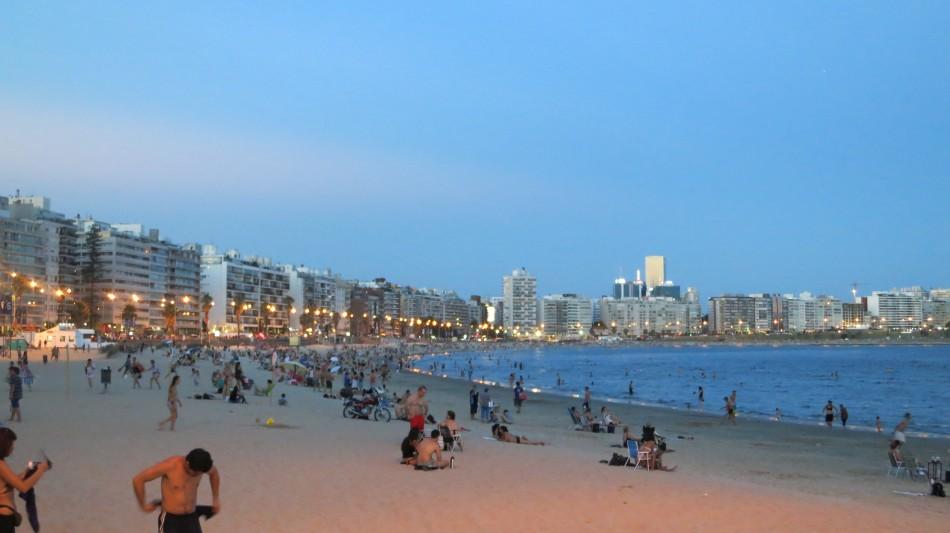 Playa de los pocitos @ Montevideo