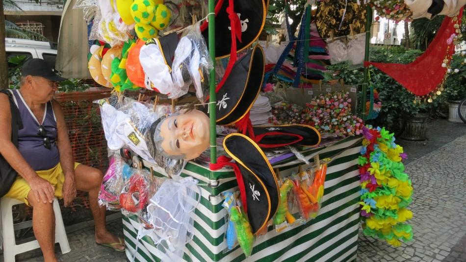 Compre sus 'fantasias' para el carnaval
