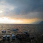 Atardecer en el lago de Atitlán